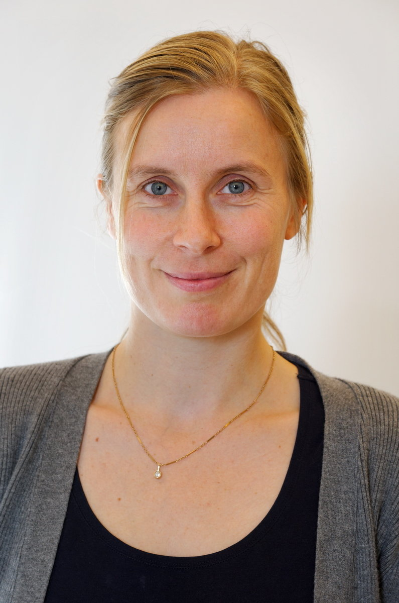 "Recently, evolutionary biologist Eva Stukenbrock has been nominated a ""Fellow"" of the Canadian Institute of Advanced Research (CIFAR). Together with a group of international experts, Eva will run a ""think-tank"" with a focus on fungal human and plant pathogens. Their work will explore the genetic basis of the interactions of fungi and various host organisms, in particular with regard to human, animal and plant pathogenesis."